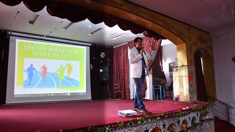 Nauman Khan Azeemi Seminar decide what you want in life