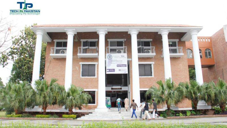 Nauman Khan Azeemi Seminar University